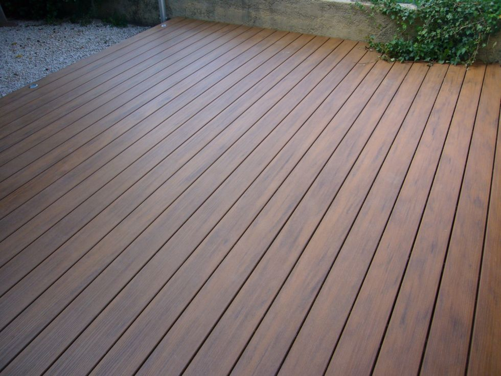 Cr ation d 39 une terrasse en bois composite sur aix en for Logiciel conception terrasse bois