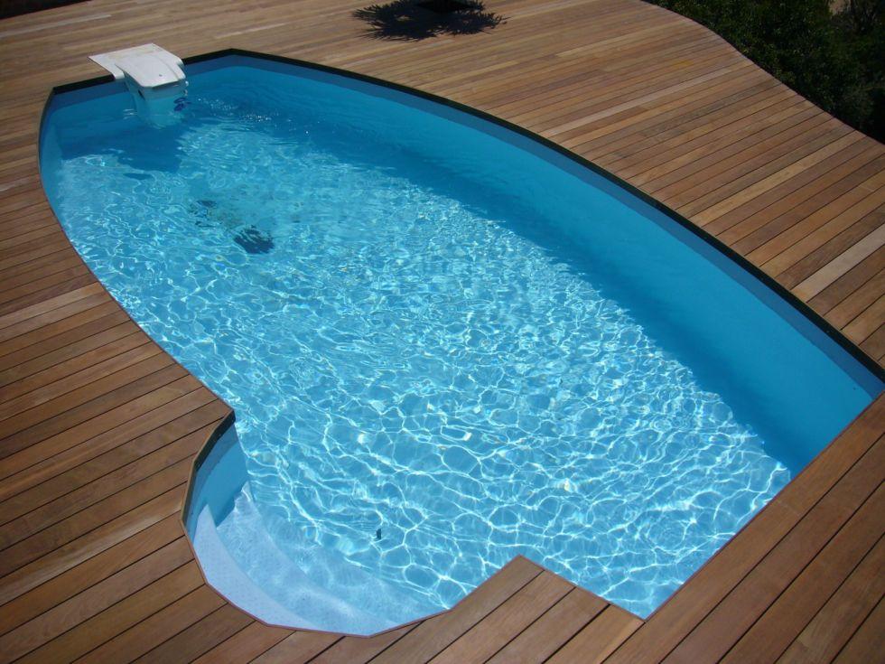 construction d 39 une plage de piscine en bois sur la c te bleue ambiance terrasse. Black Bedroom Furniture Sets. Home Design Ideas