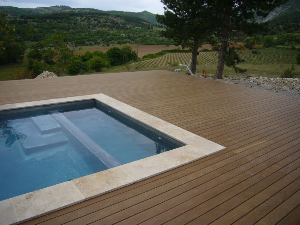 Pose terrasse bois bord piscine diverses for Conception de piscine