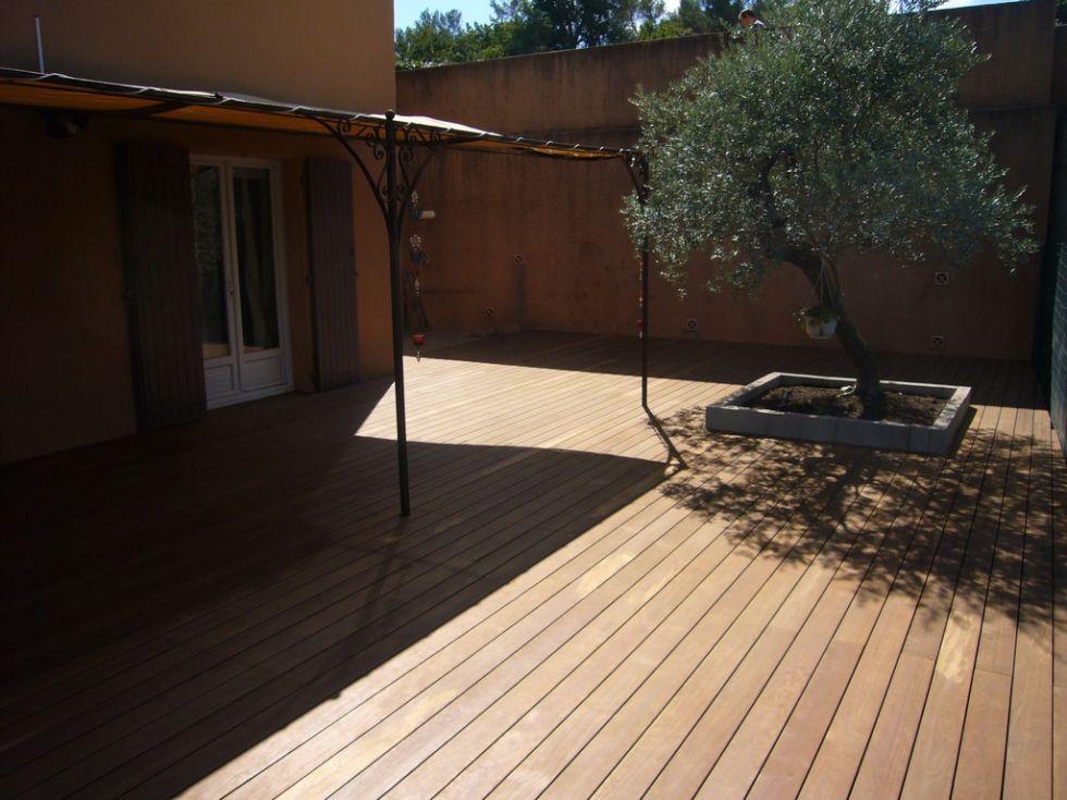 Pose d 39 une terrasse en bois kebony sur aix en provence for Poser une terrasse bois
