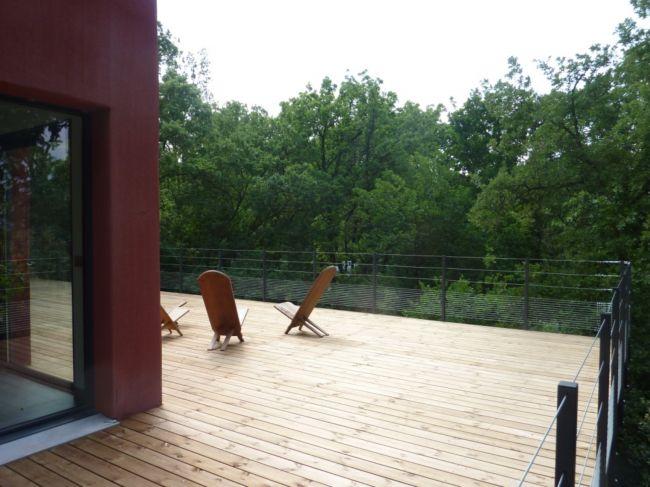 spécialisé dans le domaine de la terrasse en bois ambiance terrasse