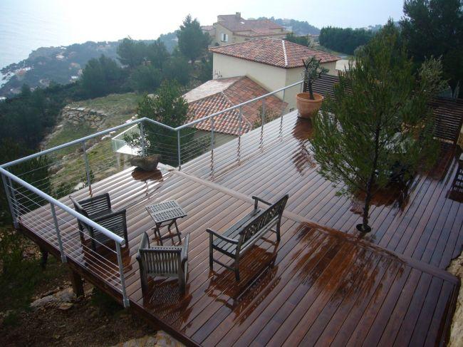 extension de terrasse en bois sur pilotis salon de. Black Bedroom Furniture Sets. Home Design Ideas